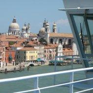 Vista di Venezia dalla nave crociera