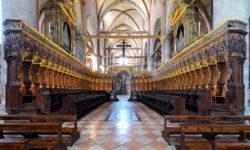 Basilica_Santa_Maria_Gloriosa_dei_Frari_interno