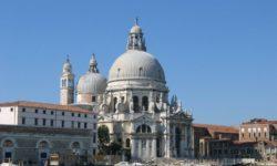 Basilica_santa_maria_della_salute_esterno