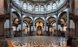 Basilica_santa_maria_della_salute_ interno