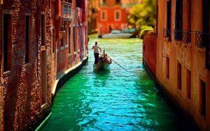 Giro-in-gondola-Venezia