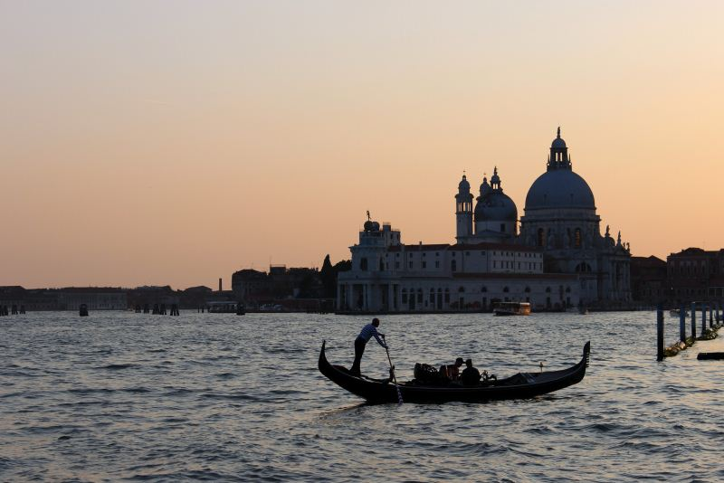 Romantico giro in gondola a Venezia