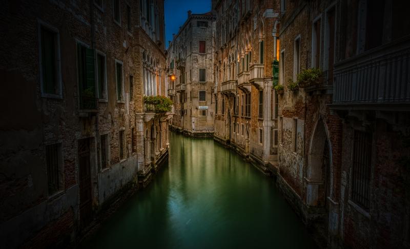 Scorcio Venezia vicino stazione