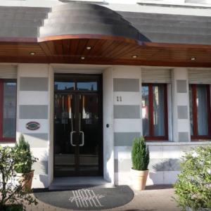 Screenshot_2019-06-21 Hotel Paris (Venezia, Italia) Expedia it(1)