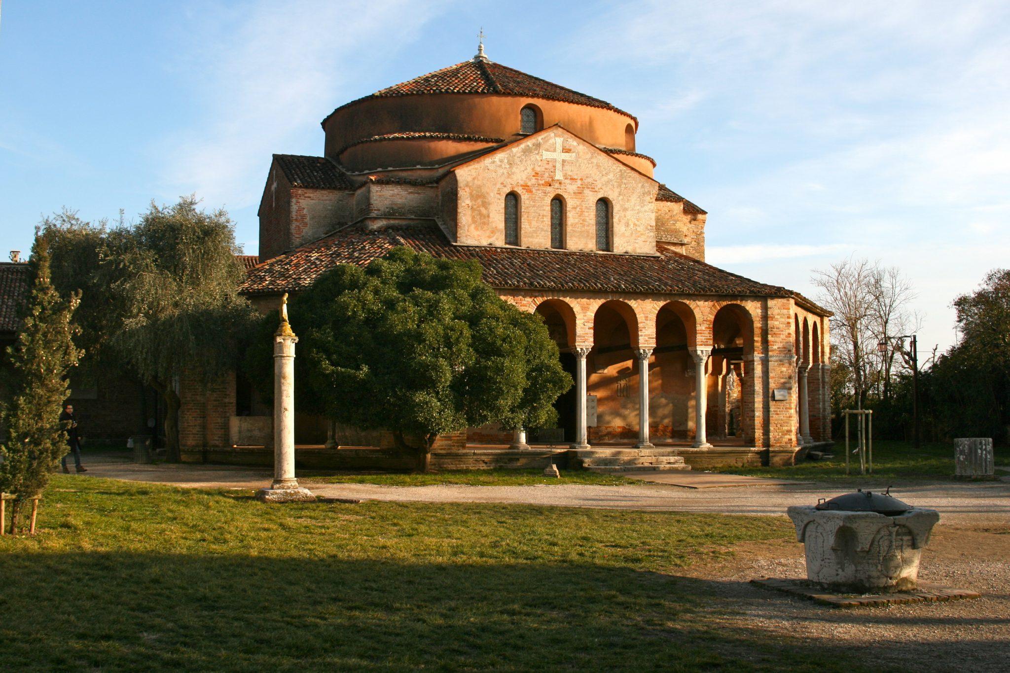 què visitar en Venecia inglesia bizantina de Torcello