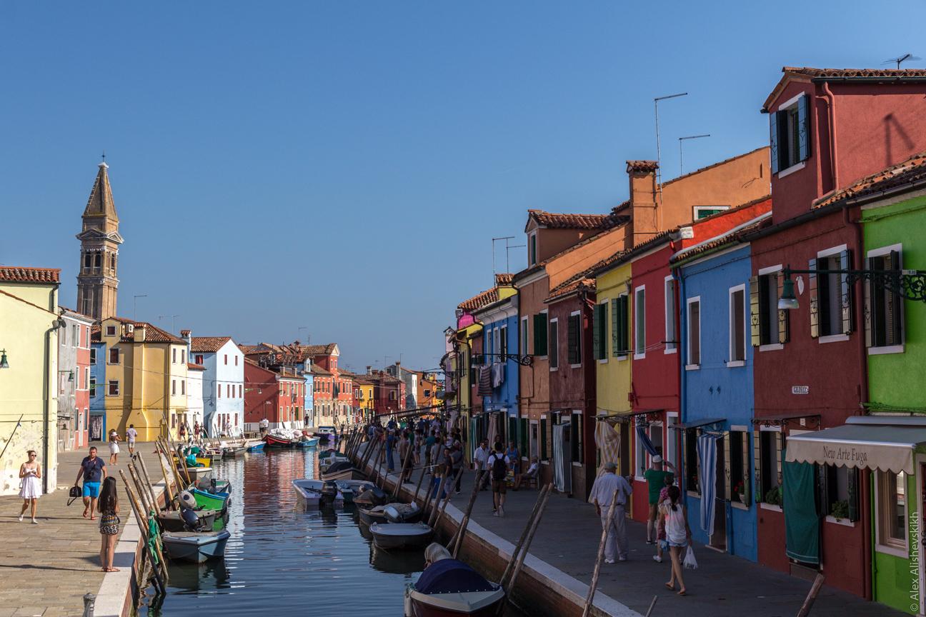 Cosa visitare a Venezia casette colorate di Burano