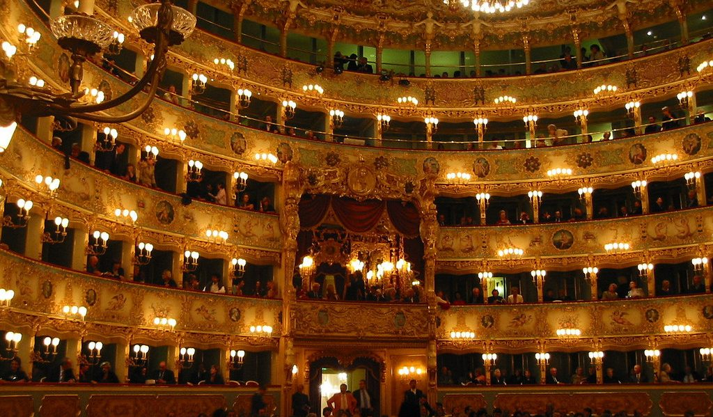 Cosa visitare a Venezia veduta interna Teatro la Fenice