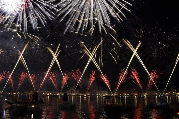 fuochi-d'artificio-spettacolo-pirotecnico-redentore-venezia-colori-san-marco