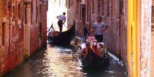 Giro in gondola, 10 cose da fare a Venezia