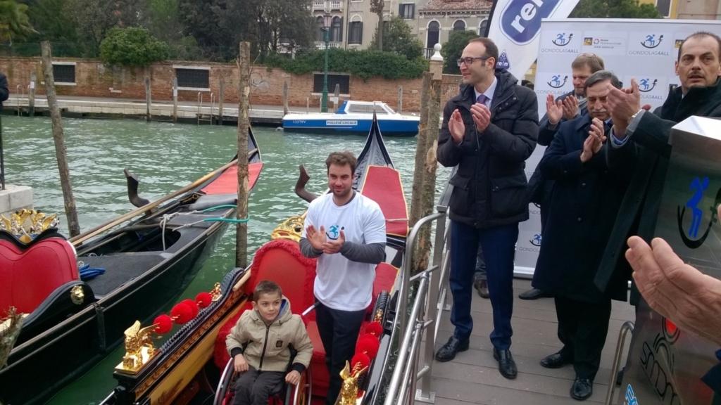 gondola per disabili venezia