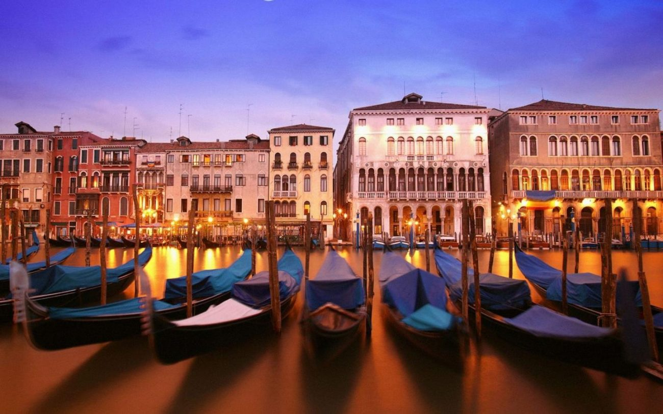 gondole veneziane a natale