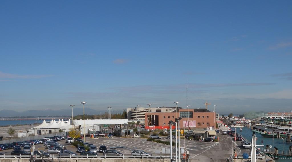 parcheggio isola nuova tronchetto a venezia