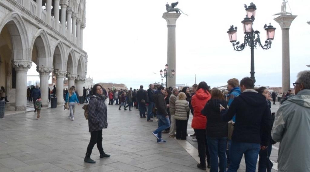 salta la fila coda venezia