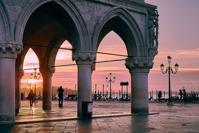 san-marco-palazzo-ducale-tramonto-primo-maggio-venezia