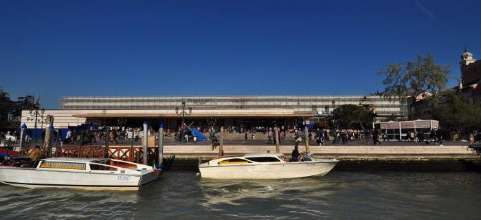 la stazione venezia santa lucia