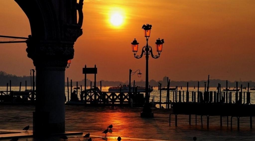 tramonto romantico san valentino venezia