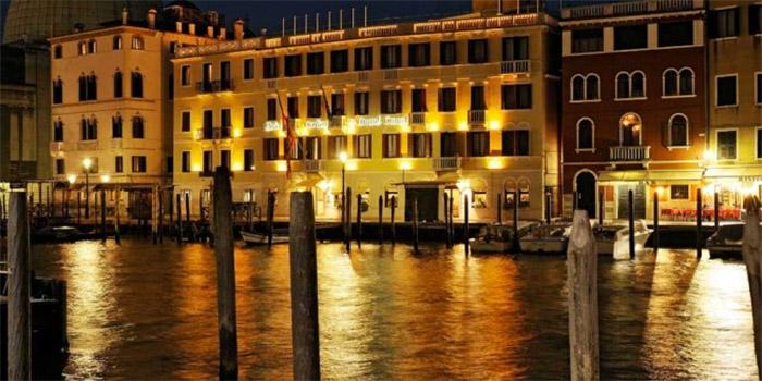 la magica venezia di notte