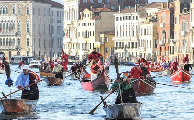 Regata delle befane a Venezia